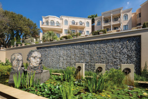 Four Seasons The Westcliff Entrance Water Feature